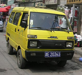 Huali Dafa Chinese microvan