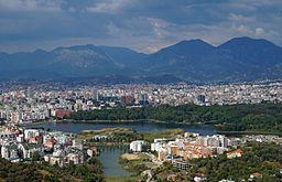 Tirana har set fra syd.