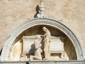 Niccolò di Giovanni Fiorentino - The grave of Ser Vittore Cappello in the Church of Saint Helen in Venice, made by Niccolò Fiorentino.