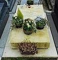 Tombe de Gérard JOUANNEST et Juliette GRÉCO. Paris, cimetière Montparnasse (7e division).jpg