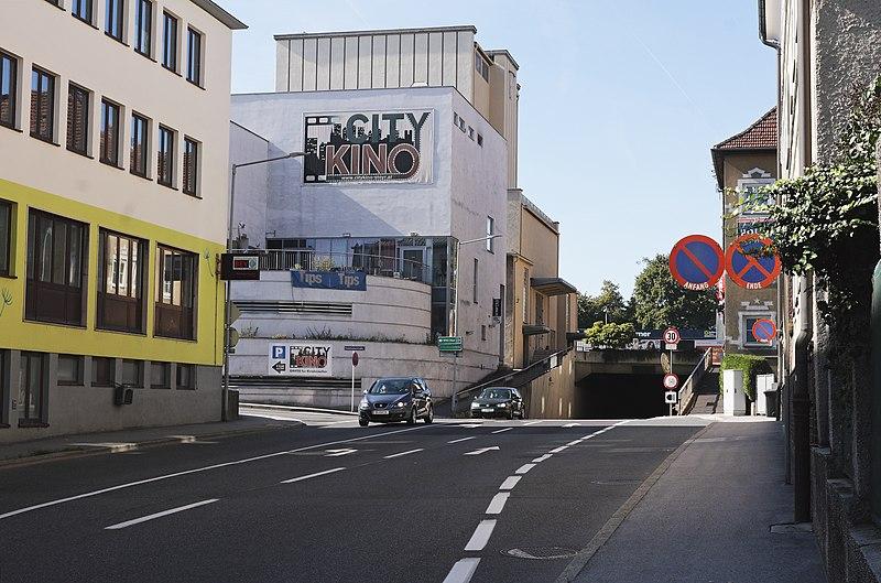 File:Tomitzstrasse beim Wehrgraben-Tunnel 1.jpg