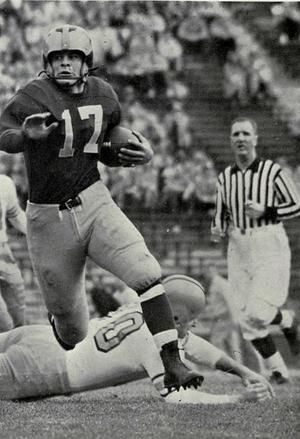 Tony Branoff - Branoff running with ball, 1953