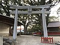 Torii of Umi Hachiman Shrine near Koyasu-dori Street 2.jpg