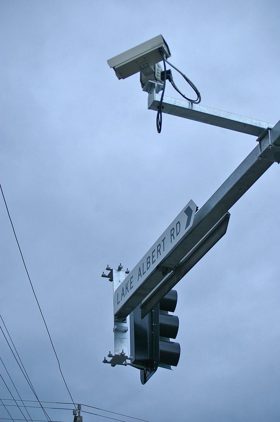 Traffic camera - Lake Albert Road and Sturt Highway