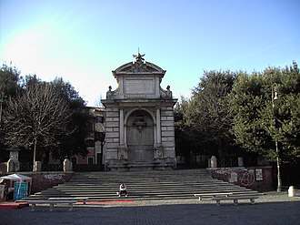 Ponte Sisto - The former Acqua Paola fountain now in Piazza Trilussa.