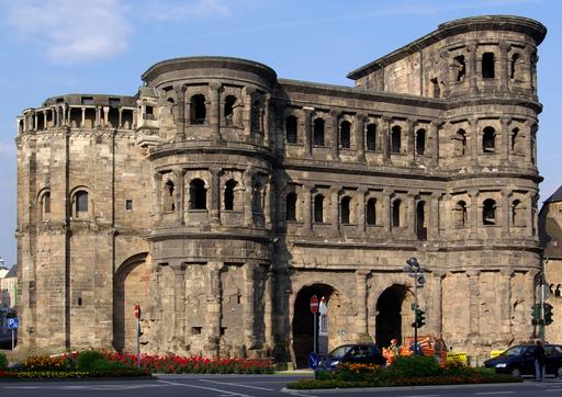 Trier Porta Nigra outside
