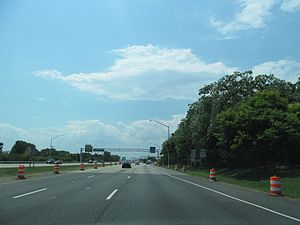 U.S. Route 50 in Maryland - US 50 westbound/US 301 southbound on Kent Island approaching the Chesapeake Bay Bridge