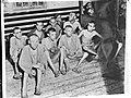 Uitgemergelde concentratiekampgevangenen, Bestanddeelnr 900-8574.jpg