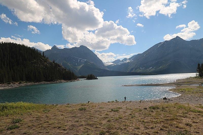 File:Upper Kananaskis lake (36000875896).jpg