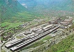 photographie de l'usine d'aluminium en 1987