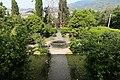 Uzzano, villa del castellaccio, giardino 02.jpg