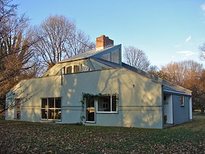 Vanna Venturi House - View from the rear of the house (south)