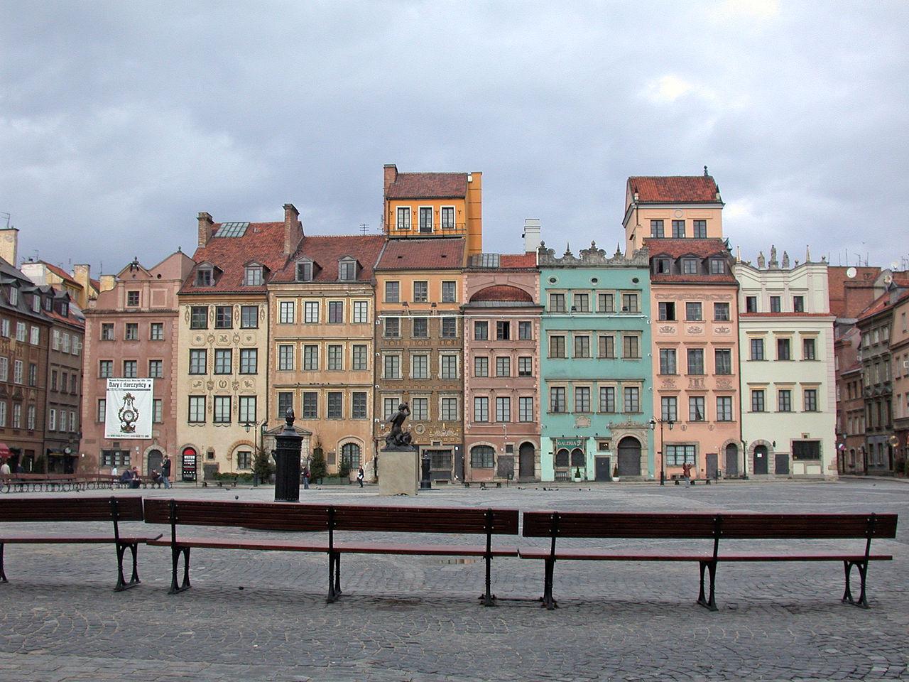 Kamienice przy Rynku Starego Miasta w Warszawie (strona Dekerta) ? siedziba główna muzeum