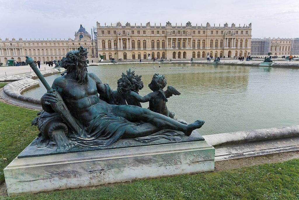 Dvorac Versaj 1024px-Versailles-Chateau-Jardins