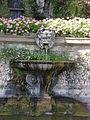 Villa reale di marlia, teatro d'acqua, fontana con vasca e mascherone 03.JPG