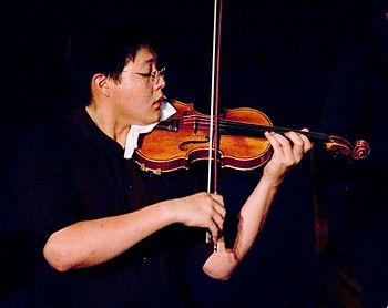 English: Young Violinist