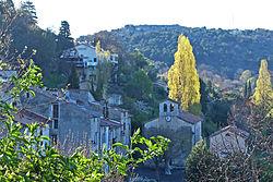 Vue sur l'église d'Escragnolles depuis la route Napoléon.JPG