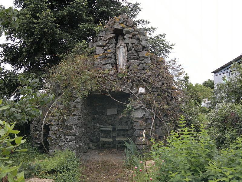 Réplique de la grotte de Lourdes, la Censie, Fr-49-Saint-André-de-la-Marche.