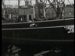 Bouw, stapelloop en proefvaart van de stoomraderboot Bern bij scheepswerf P. Smit te Rotterdam in 1923