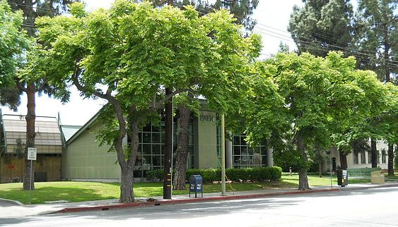 The West Valley Regional Branch of the Los Angeles Public Library, in Reseda West Valley Regional Branch Library, Reseda, CA.JPG