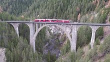 Datei:Wiesen Viaduct, aerial video.webm