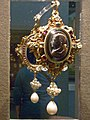Wikimania 2014 - Victoria and Albert Museum - The Drake Jewel222206.jpg