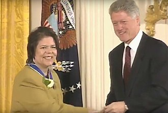 Wilma Mankiller - Wilma Mankiller receiving the Presidential Medal of Freedom from President Clinton, January 1998