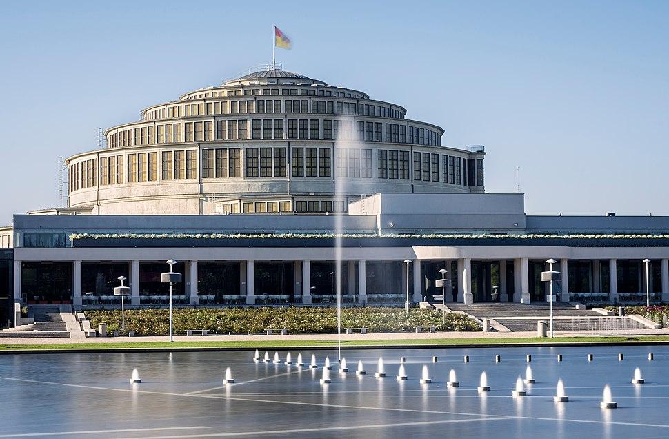 Wroclaw - Hala Stulecia z fontanna