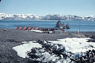 Antarctic Specially Protected Area - Image: XII Expedición Antártica 1957 1958