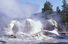 Yellowstone Geyser Grotto10.jpg