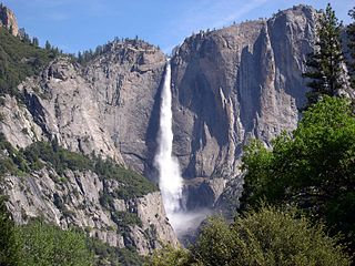 Yosemite National Park Mountains Waterfall.jpg