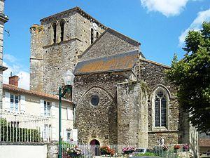 Mouilleron-en-Pareds - The church of Saint-Hilaire, in Mouilleron-en-Pareds