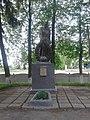 Братська могила радянських воїнів та пам'ятник воїнам-землякам, с.Вири.jpg