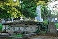 Гробница на Черетском гробљу у Сремским Карловцима.JPG