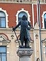 Памятник основателю города Т.Кнуттсону на площади Старой ратуши. - panoramio.jpg