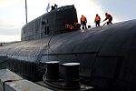 Прибытие атомного подводного ракетного крейсера Северного флота «Орёл» в пункт постоянного базирования 02.jpg