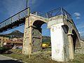 005 Pont de ferro sobre la via del tren (Centelles), accés des de la banda est.jpg