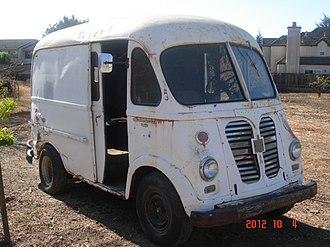International Harvester Metro Van - Image: 1957Metro Van