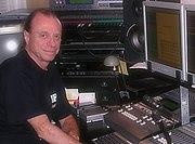 Aleksander Nowacki w swoim studiu nagrań