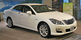 2008 Toyota Crown-Hybrid 01.jpg