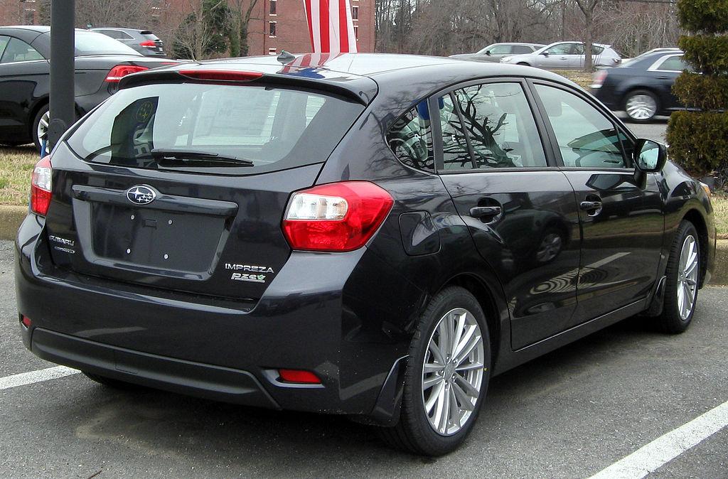 File 2012 Subaru Impreza 2 0i Premium Hatchback 02 04