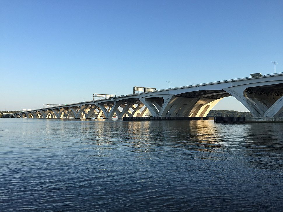 2016-10-16 17 23 30 View southwest across the Potomac River towards Interstate 95 and Interstate 495 (Woodrow Wilson Memorial Bridge) from Jones Point Park in Alexandria, Virginia
