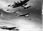 493d Bombardment Group B-17 Flying Fortress Formation.jpg