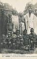 56-Kindia-Un groupe d'indigènes.jpg