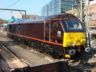 British Rail Class 67 - Image: 67005 at Kings Cross 1