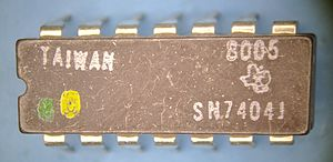 7404 TI 8005 package top.jpg