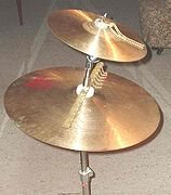 Splash cymbal as the upper on a double stand
