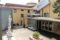 Accademia di Firenze, veduta sul cortile del museo dell'accademia 03.JPG