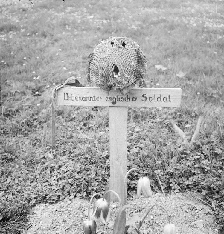Airborne grave, Arnhem 1945