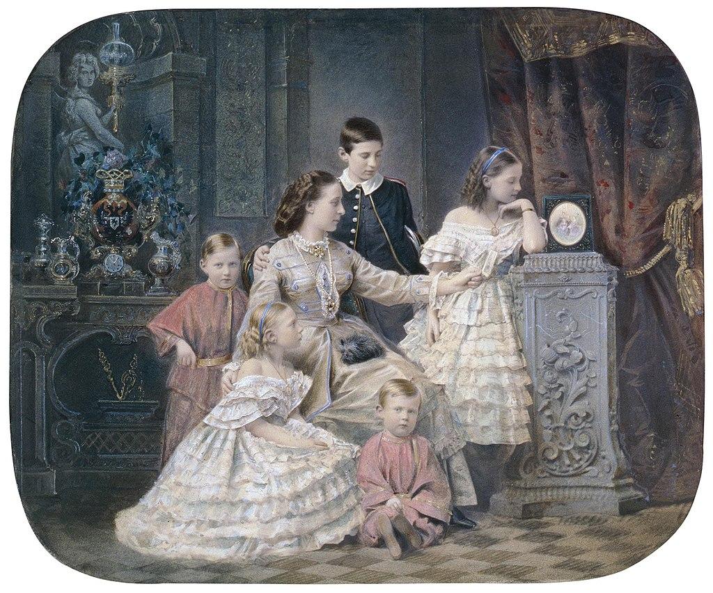 Александра Иосифовна и ее дети.jpg